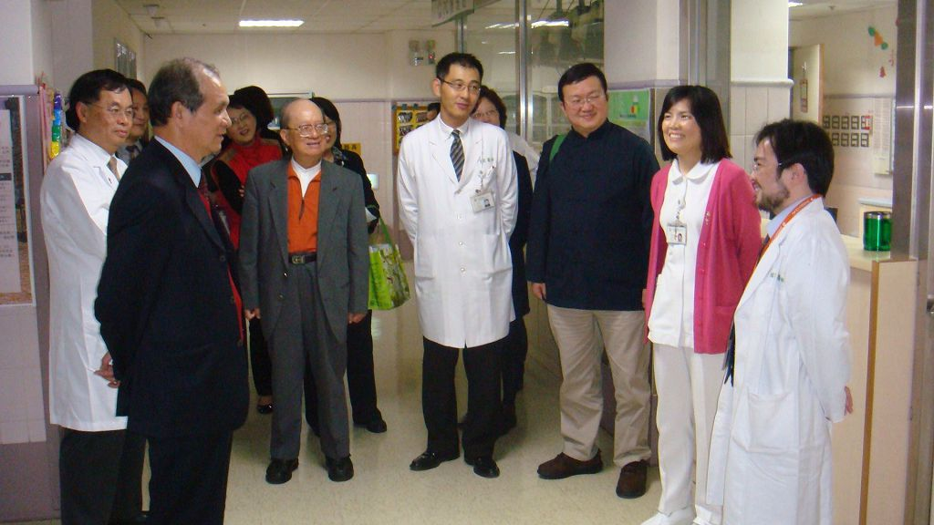 <ul> <li>6月桃園縣第一台行動數位乳房攝影巡迴車啟用。</li> <li>10月第一任院長馬玉芳修女安息主懷。</li> <li>10月ISO27001資訊安全認證。</li> <li>12月設立心臟血管中心。</li> <li>12月獲健保局頒發便民醫院獎。</li> </ul>