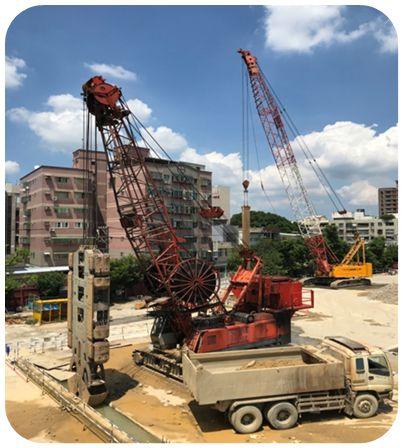 <p>5月15日起新院區綜合醫療大樓新建工程進行鋼筋籠及連續壁施作工程。</p>